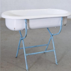 Where to rent ICE TUB, BATH TUB ON STAND in Camarillo CA