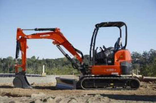 Where to find EXCAVATOR,KUBTA KX040  18 w thumb in Camarillo